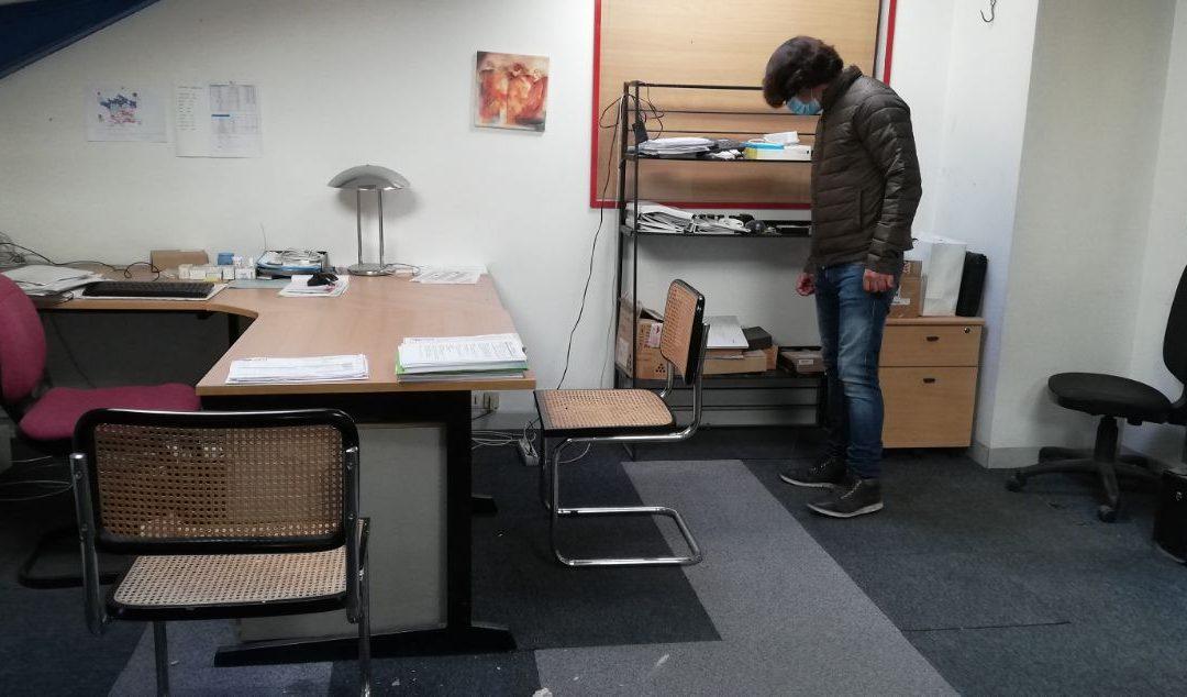 Faire débarrasser des bureaux.